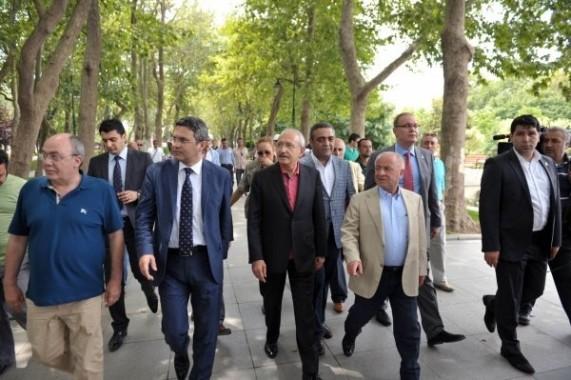 Kılıçdaroğlu Gezi Parkına Geldi